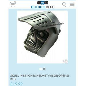 Other - NWOT Men's belt buckle- Skull in Knights Helmut